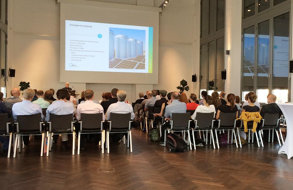 Einführungsvortrag von Dr. Beate Mekiffer, Leiterin Stabsstelle Innovative Infrastrukturprojekte WISTA MANAGEMENT GMBH