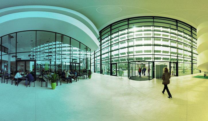 Zentrum für Photovaltaik und Erneuerbare Energien Adlershof, Bild: WISTA Mangement GmbH